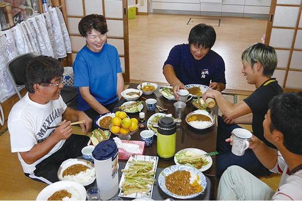研修生たちとの楽しい食事